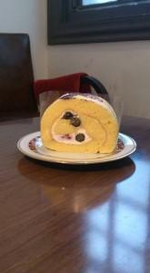 ブルーベリーのロールケーキ
